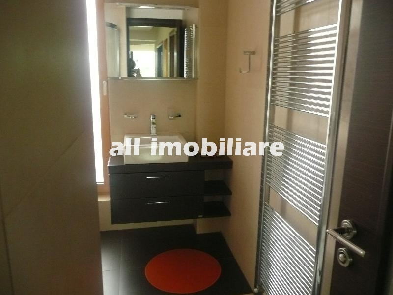 Apartament 3 camere de inchiriat in zona Doraly din Constanta