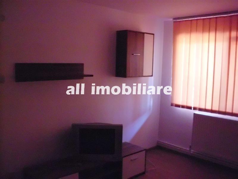 Apartament 3 camere de inchiriat in zona Km 5 din Constanta
