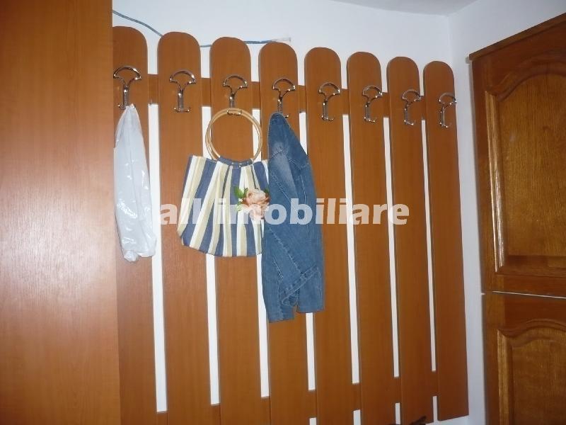 Apartament 2 camere de vanzare in zona Casa de Cultura din Constanta