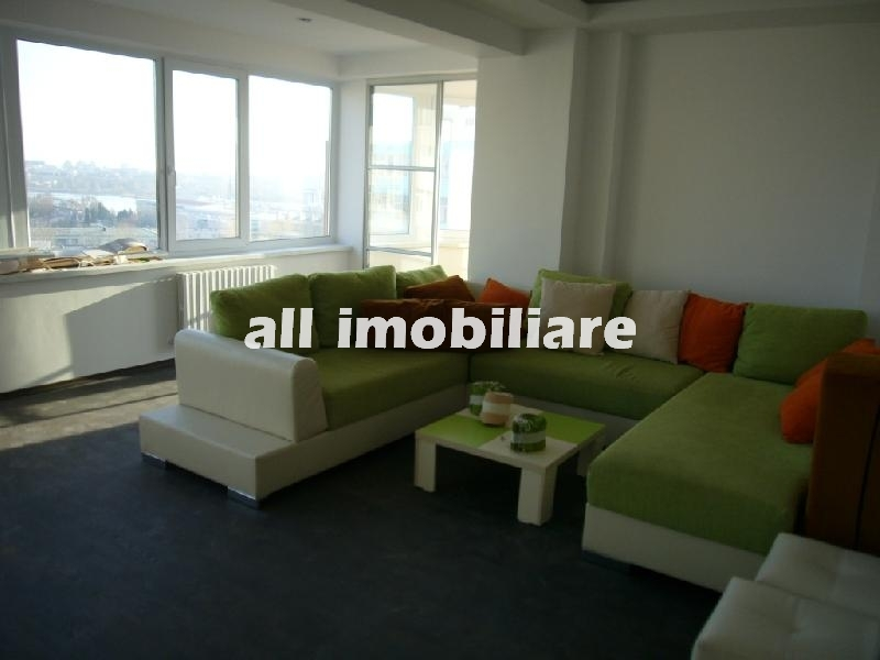 Apartament 3 camere de inchiriat in zona Tomis Nord/ Omv/ Macu Rosu din Constanta