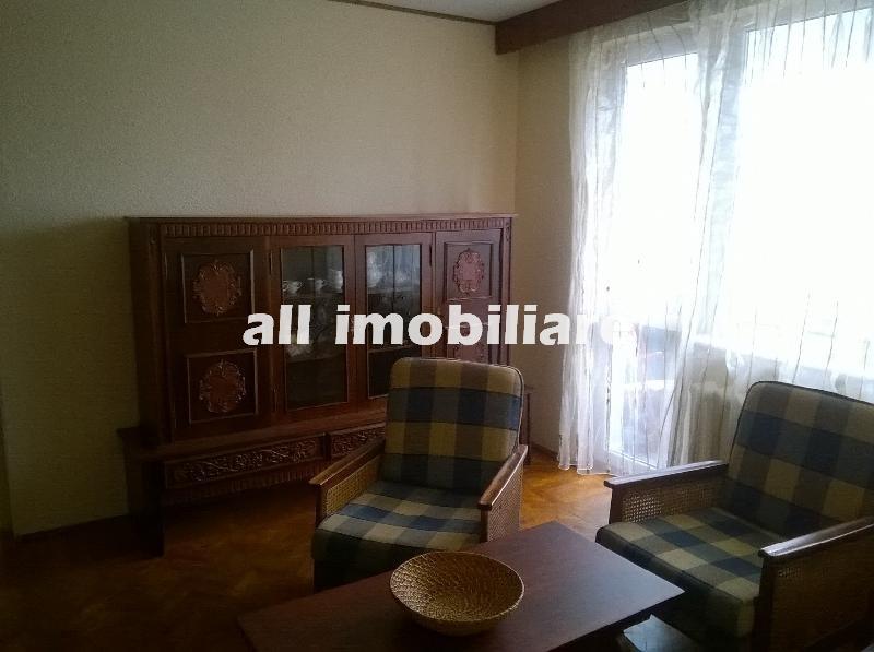 Apartament 3 camere de inchiriat in zona Casa de Cultura- Biserica Constantin si Elena  din Constanta