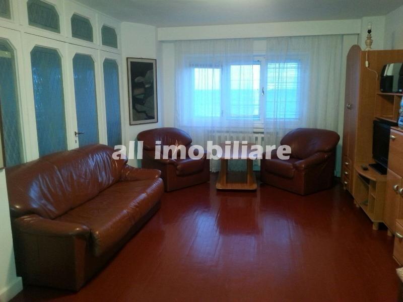 Apartament 3 camere de inchiriat in zona Ultracentral- Hotel Sport din Constanta