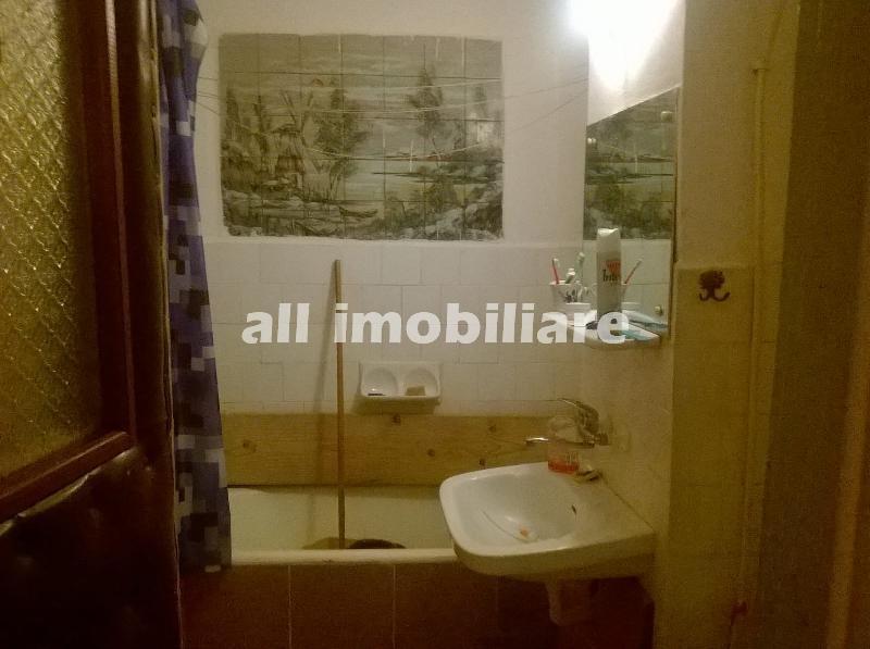 Apartament 4 camere de inchiriat in zona Dacia din Constanta