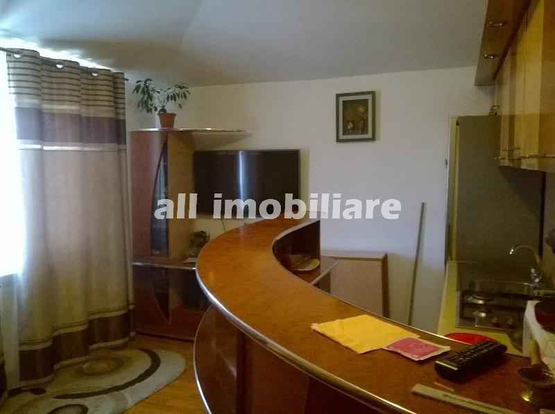 Apartament 3 camere de inchiriat in zona Inel I din Constanta