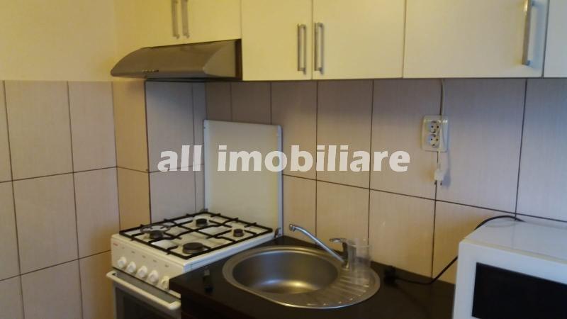 Apartament 2 camere de inchiriat in zona Tomis Nord din Constanta